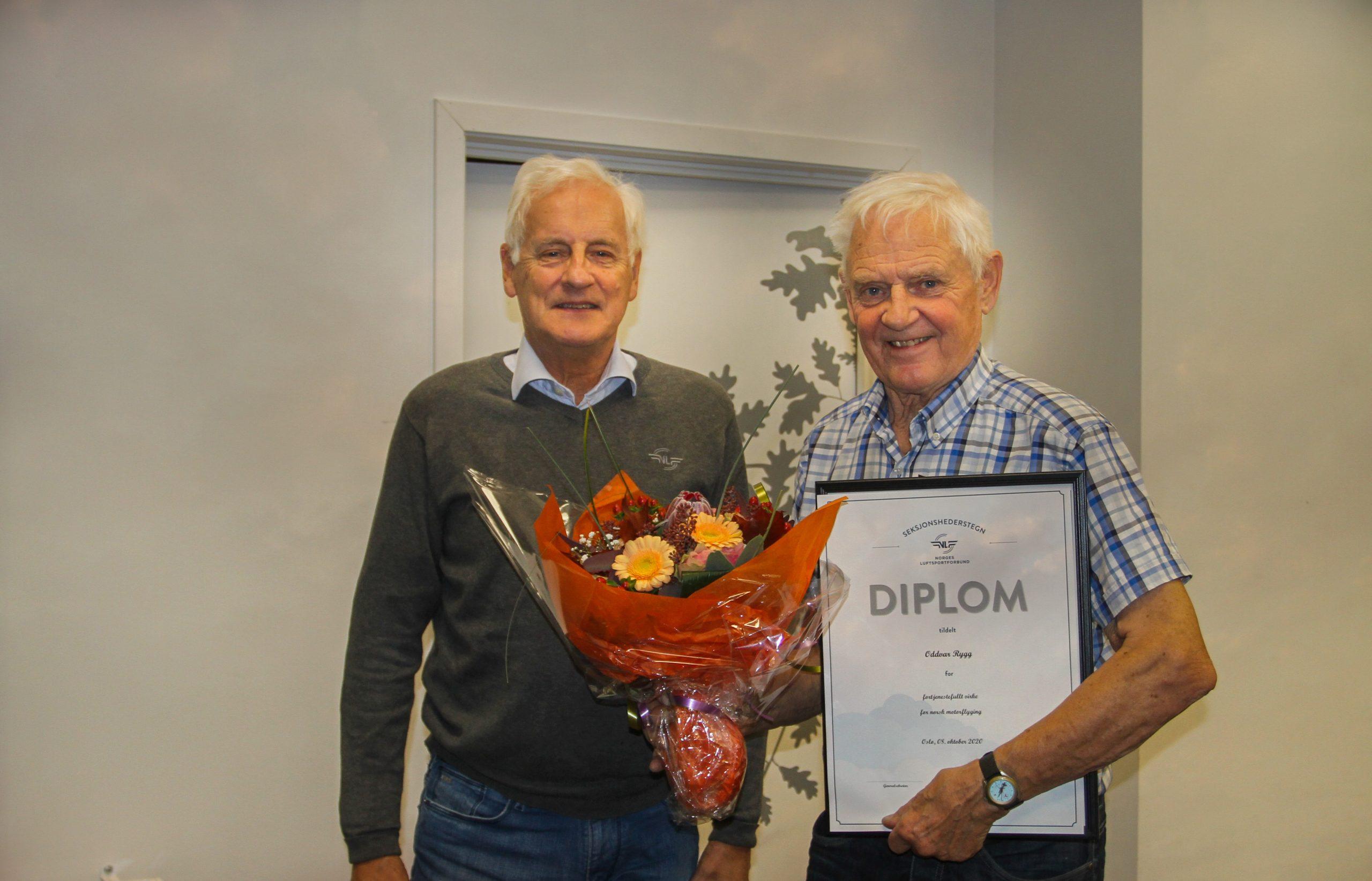 Oddvar Rygg tildelt Motorflyseksjonens hederstegn